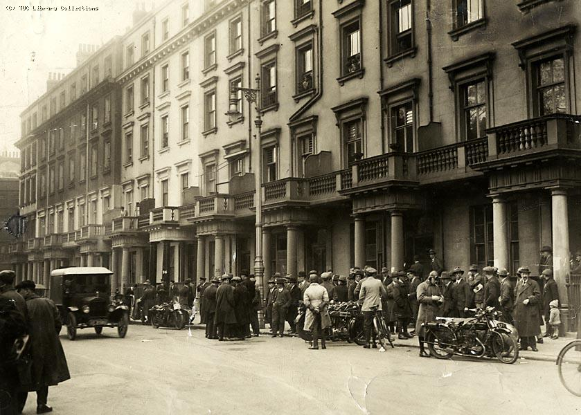 Dispatch riders wait for orders outside the TUC headquarters, 1926